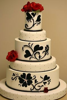 black and red on white...this is soooo pretty!!!!
