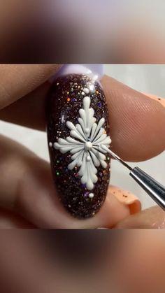 Cute Christmas Nails, Xmas Nails, Christmas Nail Designs, Diy Nails, Nail Art Designs Videos, Nail Art Videos, Nail Art Noel, Nail Drawing, Nail Gel
