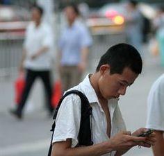 Un iPhone cuesta en China dos sueldos: a por los 'smartphones' 'low cost' http://www.europapress.es/portaltic/sector/noticia-iphone-cuesta-china-dos-sueldos-smartphones-low-cost-20120816095714.html