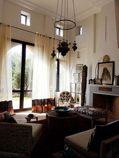Gorgeous Moroccan living room!