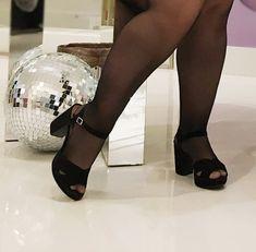 O #tbtdehoje não poderia ser outro né? #pressday da @beirarioconfortooficial. . Não teve #look mas teve #sapatododia, o clic foi dessa… Character Shoes, Look, Dance Shoes, Instagram, Fashion, Other, Moda, La Mode, Dancing Shoes