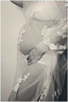 My bump shoot with my veil x