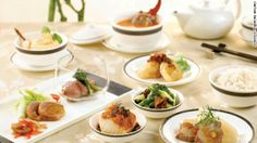Singapore Airlines: Another example of incredible inflight meals. Luxury Food, Evening Meals, Dim Sum, Food Items, Wine Recipes, Tasty, Favorite Recipes, Dinner, Cooking