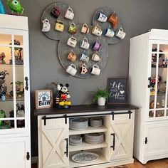 disney kitchen great way to display your Disney mugs Disney Diy, Casa Disney, Deco Disney, Disney House, Disney Kitchen Decor, Disney Home Decor, Disney At Home, Disney Room Decorations, Disney Bathroom