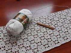 Мастер класс N 1. Как спрятать нить в процессе вязания гусенички. - YouTube