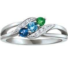 Family Ring, only a diamond instead of the dark blue