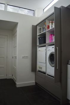 Appliances behind retracted doors, exactly the same, including draws ect Laundry In Kitchen, Laundry Closet, Bathroom Closet, Laundry In Bathroom, Interior Design Living Room, Living Room Designs, Window In Shower, Vintage Laundry, Small Room Bedroom