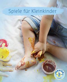 Tolle Spielideen mit Fingerfarben, Naturmaterialien und ganz viel Spaß! Beim Spielen erforschen Kleinkinder die Welt! #spiele #kleinkinder #basteln #diy #deko #anleitung #penaten