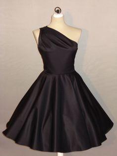 """Dieses Cocktailkleid hat """"Star-Appeal""""!  Schlichte Eleganz trifft zeitlosen Chic!  Ein assymetrisch geschnittenes Kleid mit drappierter  Schulterpa..."""