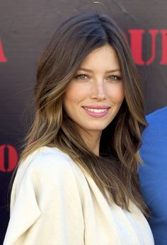 pretty hairstyles For School is part of Cute Hairstyles For School That Are Super Easy To Do - Jessica Biel Messy Hairstyles For Medium Haircut Styles Hairstyles, Easy Hairstyles For Girls Jessica Biel, Jessica Beil Hair, Medium Hair Cuts, Medium Hair Styles, Medium Curly, Medium Long, Hairstyles Bangs, Hairstyle Ideas, Hair Ideas