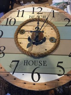 Spool clocks by urbanchic designs more on FB and instagram. Shipping available. Traci beitz Wooden Spool Tables, Wood Spool, Diy Clock, Clock Ideas, Deco Marine, Woodworking Projects, Diy Projects, Rustic Wall Clocks, Pintura Country
