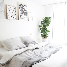 Back to bed on a Monday....dreamy bedroom inspiration! / Crisp sheets
