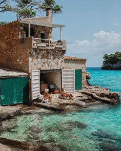 Insider Tip # The private beach Es Caragol - Mallorca, Menorca & Ibiza - Holiday events Menorca, The Places Youll Go, Places To Go, Casas Containers, Wanderlust Travel, Beach Trip, Beach Travel, Belle Photo, Dream Vacations