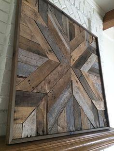 Cette liste est pour une pièce artisanale surdimensionnée. Apportez la chaleur et le caractère de grange-bois récupéré dans votre maison. Cette œuvre dart unique sera le point focal de nimporte quel mur. Bois de grange récupéré, unfinished donnent cette profondeur de la pièce et de lindividualité. Ne fabriquées entièrement à la main, aucuns deux est exactement les mêmes. > Taille grand 40 « x 40 » > Individuellement à la main sur commande > Aucuns deux nest les mêmes > Matérie...