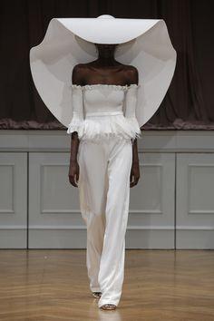 Alon Livné White Fall 2017 - http://www.stylemepretty.com/2016/10/16/alon-livne-white-fall-2017-wedding-dresses/