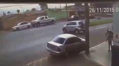 ขับรถไม่ระวังแบบนี้น่าจับมากระทืบจริงๆ
