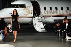 ♥ I will purchase so much Chanel that I will score a ride to their worldwide shows on their private jet. Luxury Helicopter, Gabrielle Bonheur Chanel, Luxe Life, Glamour, Chanel Couture, Chanel Fashion, Classy And Fabulous, Mode Inspiration, Luxury Lifestyle
