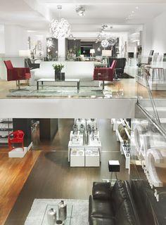 Vista panorámica de la tienda desde el primer piso.