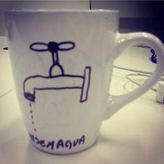 Sem água não tem café. Concluo que a corrupção é um sintoma da preguiça, como pode um país com tamanha disponibilidade de recursos naturais sofre com falta d'água? #cafe #cafeina #semagua #agua #sede #banho #chuveiro #torneira