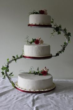 pictures of wedding cake stands something to go with the metal ring toppers 3 tiered 18468