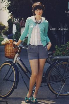 """Zoey Deschanel - I love her in everything but """"New Girl"""" Zooey Deschanel Style, Zoey Deschanel, Love Her Style, Looks Style, Style Me, Style Hair, Lady Like, New Girl, Image Mode"""