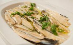 Γαύρος μαρινάτος !!! Greek Recipes, Food Hacks, Asparagus, Zucchini, Deserts, Cooking Recipes, Stuffed Peppers, Fish, Meals