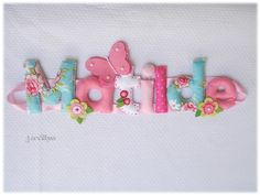Nome Matilde com flores e borboleta - em rosa e azul. {Name banner for girl with flowers and butterfly - in pink and blue. }