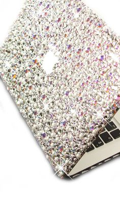 Mac Book in Diamonds and Pearls Crystal Theme. | BAHHHH DREAM LAPTOP!