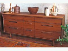 EASY LIVIN' ... in Mid-Century Style! - Gorgeous pieces available via UsedVictoria.com
