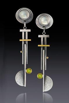 Pinwheel Blade Earrings by Michele LeVett (Gold, Silver & Stone Earrings) - Bisuteria - Modern Jewelry, Jewelry Art, Gold Jewelry, Fine Jewelry, Jewelry Making, Jewelry Design, Jewelry Armoire, Jewellery Box, Custom Jewelry