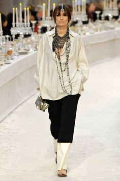 Chanel Pre-Fall 2012 Runway - Chanel Pre-Fall Collection - ELLE