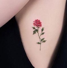 Black poppy tattoo on rib cage of a girl. Side Tattoos, Trendy Tattoos, Forearm Tattoos, New Tattoos, Tattoos For Guys, Cool Tattoos, Zodiac Tattoos, Tattoo Pics, Armband Tattoo Frau