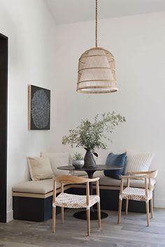 Dining Nook, Dining Room Design, Design Kitchen, Design Bedroom, Dining Chairs, Home Decor Trends, Home Decor Inspiration, Decor Ideas, Decorating Ideas
