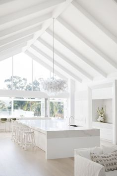 Modern Coastal Barn Dream Home in Australia Home Modern, Modern Coastal, Coastal Style, Coastal Decor, Coastal Cottage, White Coastal Kitchen, Coastal Kitchens, Coastal Industrial, Coastal Farmhouse