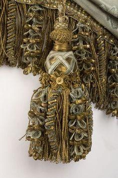 ♔ French tassel ~ 1780