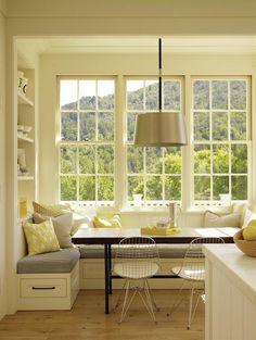 The breakfast bay's deceptively oversize windows look out onto the slope of Mount Tamalpais.