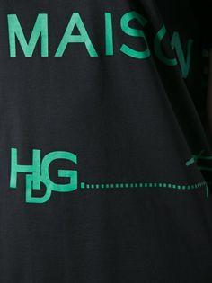 GIVENCHY - black oversized t-shirt. Now on sale!  #givenchy #givenchyt-shirts #givenchysales #sales www.woman.jofre.eu