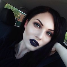 View Gothic glam at Sephora Beauty Board. All of her looks are amazing! Grunge Makeup, Goth Makeup, Dark Makeup, Kiss Makeup, Black Lipstick Makeup, Witchy Makeup, Goth Beauty, Beauty Makeup, Eye Makeup