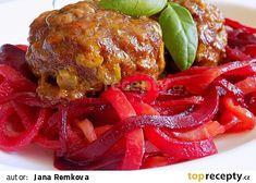 Masovo-tvarůžkový karbenátek se zeleninovými špagetami recept - TopRecepty.cz Hamburger, Spaghetti, Beef, Ethnic Recipes, Food, Red Peppers, Meat, Essen, Burgers
