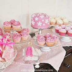 pink baby shower dessert table. awesome ideas for nene pink girl baby shower
