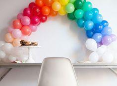 DIY : Une arche de ballons arc-en-ciel