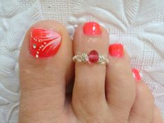 This is an absolutely adorable stretch toe ring. One size fits most. You will be the envy of all your friends. Nothing like a little bling to kick your summer sandals up a notch. This is a very comfortable toe ring. It can be worn on your pinkie finger or would be perfect for a child. It is made