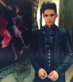 Harry Shum Jr.: Magnus trying to keep it together after yesterday's episode. #WaitUntilHeHearsWhatHappened