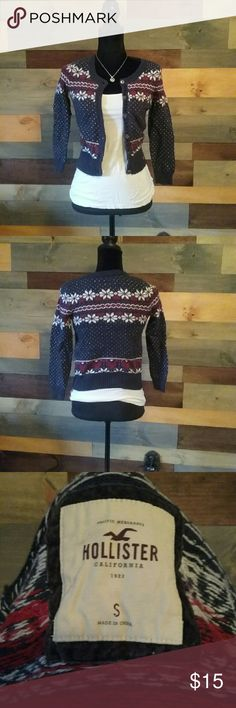 Hollister holiday sweater Beautiful holiday cardi Hollister Sweaters Cardigans