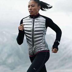 Lanzan línea de ropa para correr en frío y lluv