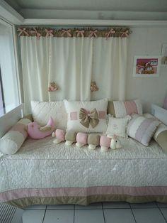 Kit cama e cortina by Baú do Bebê, via Flickr: