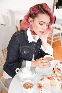 Perfect tea house mornings with YSL Beauty's Rouge Volupte Shine Oil-in-Sticks new 'Weekender Shades': http://seph.me/1SwLojD