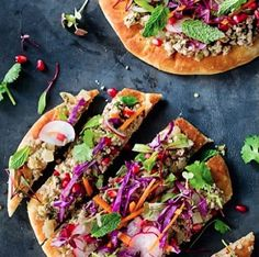 Cocas are the quick-to-prepare Latino's version of Italian flatbread or pizza. Once you make the dough, you can get really creative and top the flatbreads with any combination of ingredients. Goat Cheese Recipes, Mexican Food Recipes, Ethnic Recipes, Basil Pesto, Heirloom Tomatoes, Camping Meals, Quick Meals, Hot Dog Buns, Vegetable Pizza