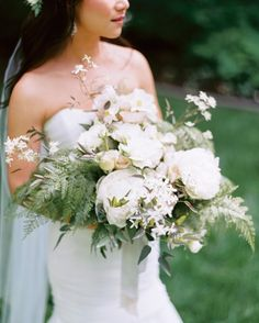 Big Time - 24 Best Spring Wedding Bouquets