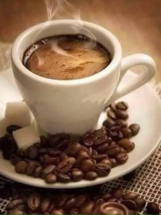 hora do café, mini desserts, best coffee, cup of c Good Morning Coffee, Coffee Break, I Love Coffee, Hot Coffee, Fresh Coffee, Coffee Cafe, Coffee Drinks, Drinking Coffee, Coffee Shop